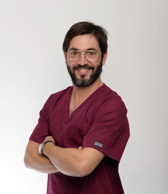 Dr. Julián Pelarda